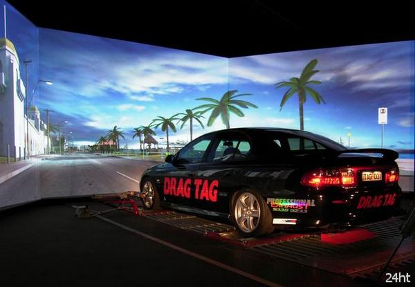 По виртуальному миру на настоящем авто