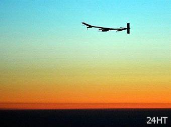 Самолет на солнечных батареях отправился в первый международный рейс