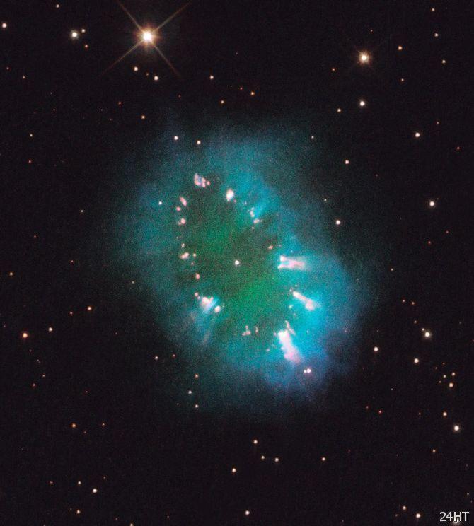 Хаббл запечатлел ослепительное «ожерелье»