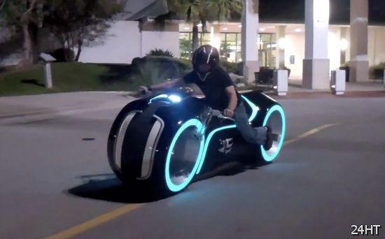 Мотоцикл из Tron (видео)
