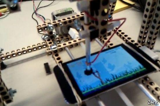 Робот играющий в Angry Birds (видео)