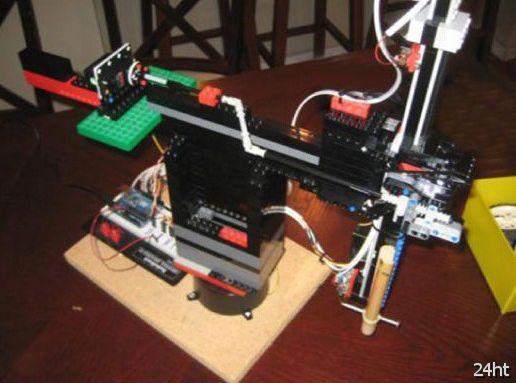 Автоматический CD и DVD-риппер из Lego (видео)