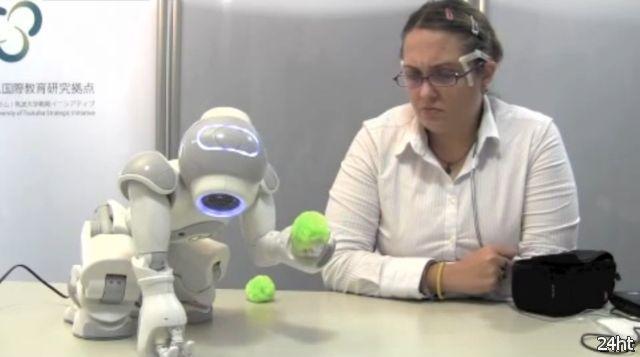 Управление роботом с помощью мимики (2 видео)