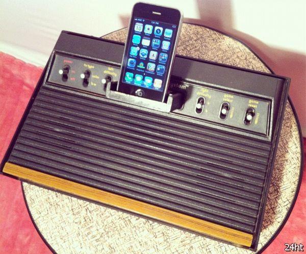 8-битная док-станция для iPhone (3 фото)
