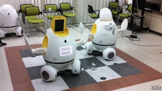 Танцующие роботы EngKey (видео)