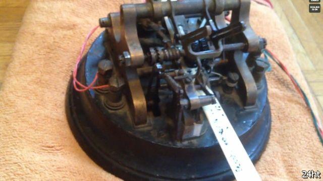 Подключение старинного телеграфного аппарата к ноутбуку (2 видео)