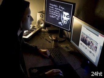Полиция арестовала 25 участников группы Anonymous