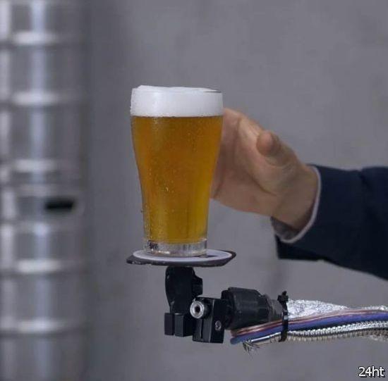 Роботизированная подставка под пиво с системой стабилизации (видео)