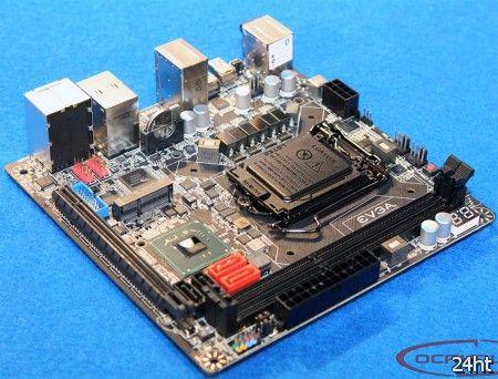 Фотографии материнской платы EVGA Z77 Mini ITX