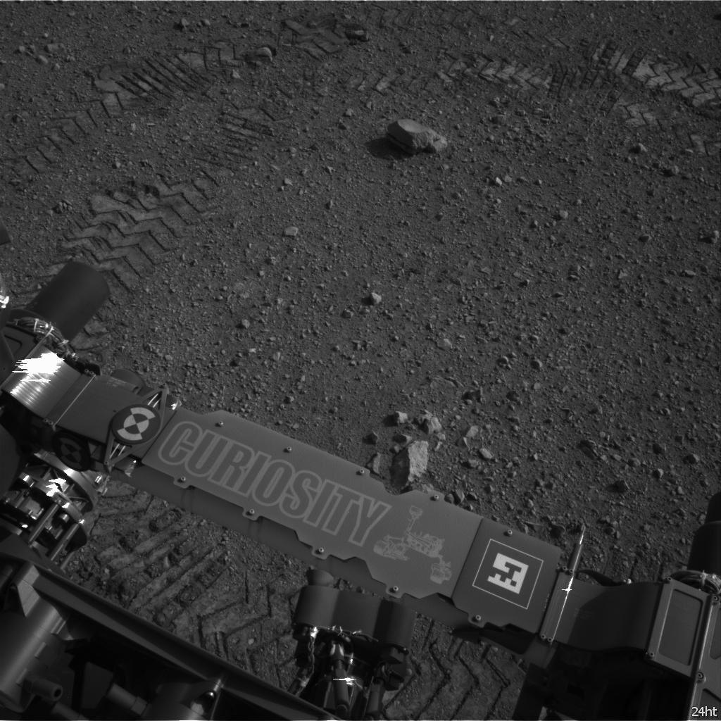 Марсоход Curiosity совершил первую поездку