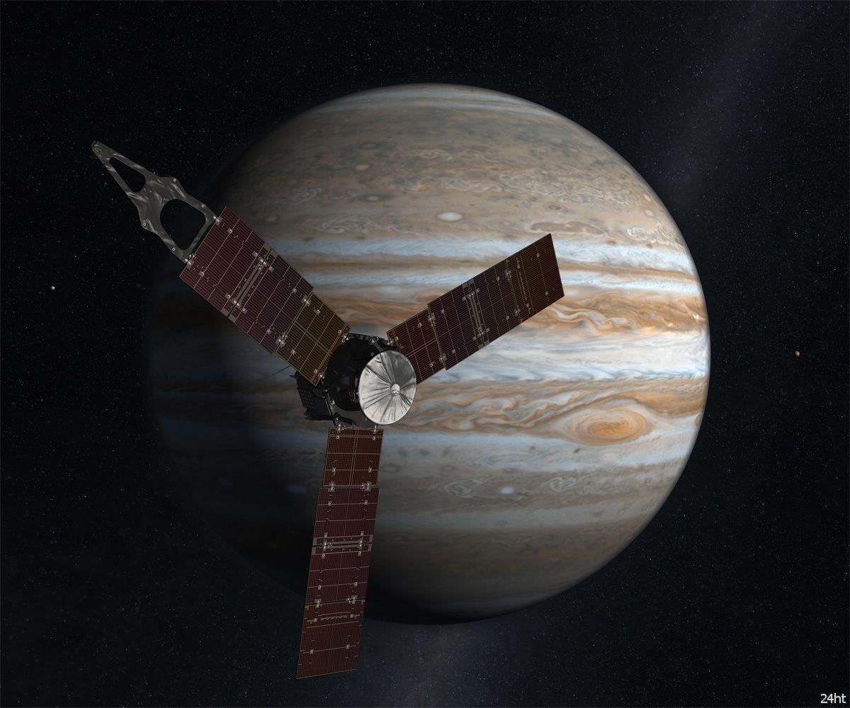 На пути к Юпитеру: зонд «Джуно» меняет орбиту