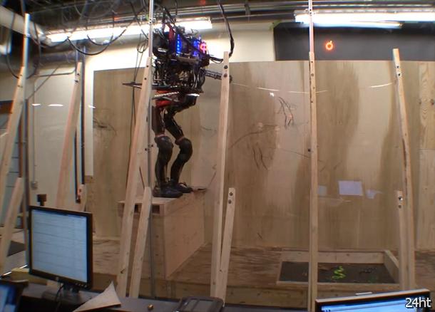 Компания DARPA создает робота, способного прыгать и пробираться через препятствия