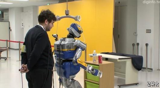 Мозго-компьютерный интерфейс управляет человекоподобным роботом
