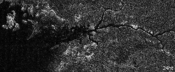 Река Нил на спутнике Сатурна?