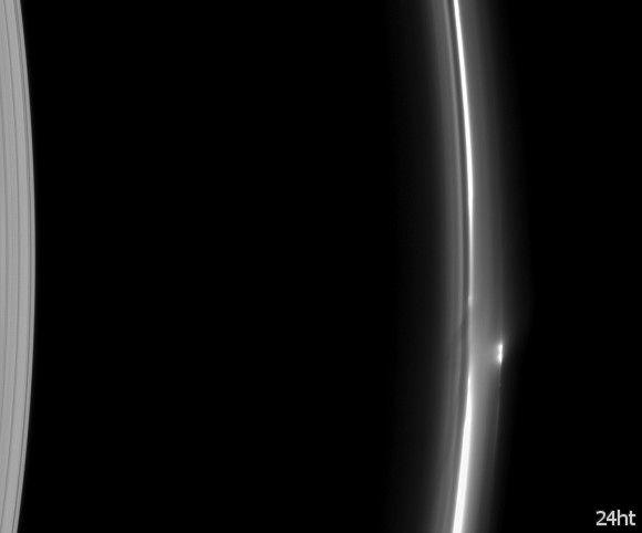 Сатурн и его загадочное кольцо F