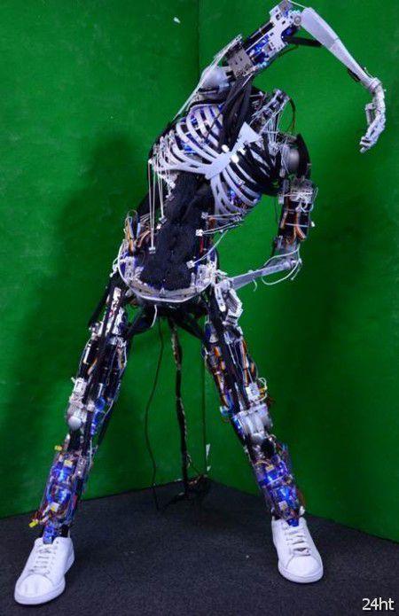 Японцы создали безголового робота с грудой мышц