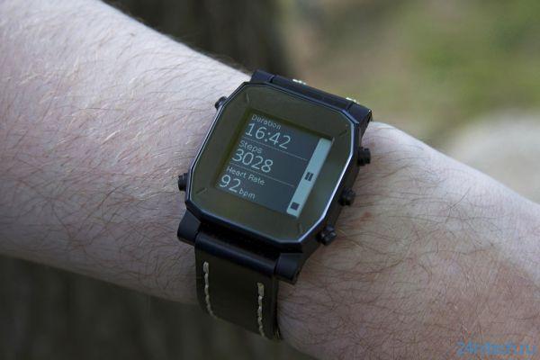 """AGENT– """"умные"""" часы с беспроводной зарядкой"""