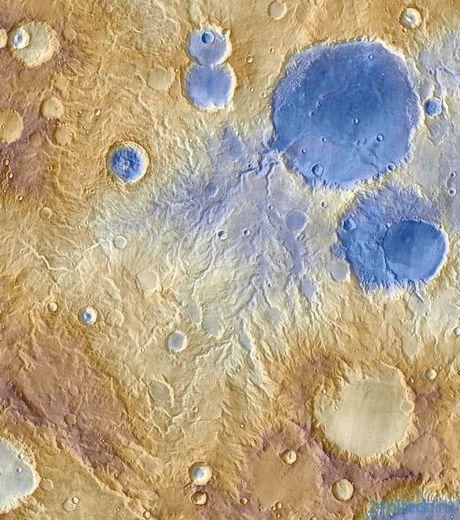 Осадки на Марсе сформировали долины