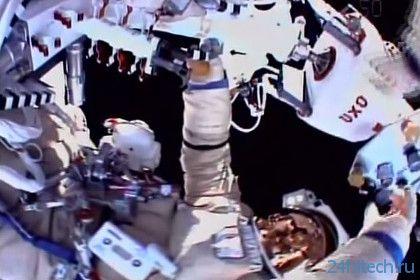Российские космонавты провели работы в открытом космосе