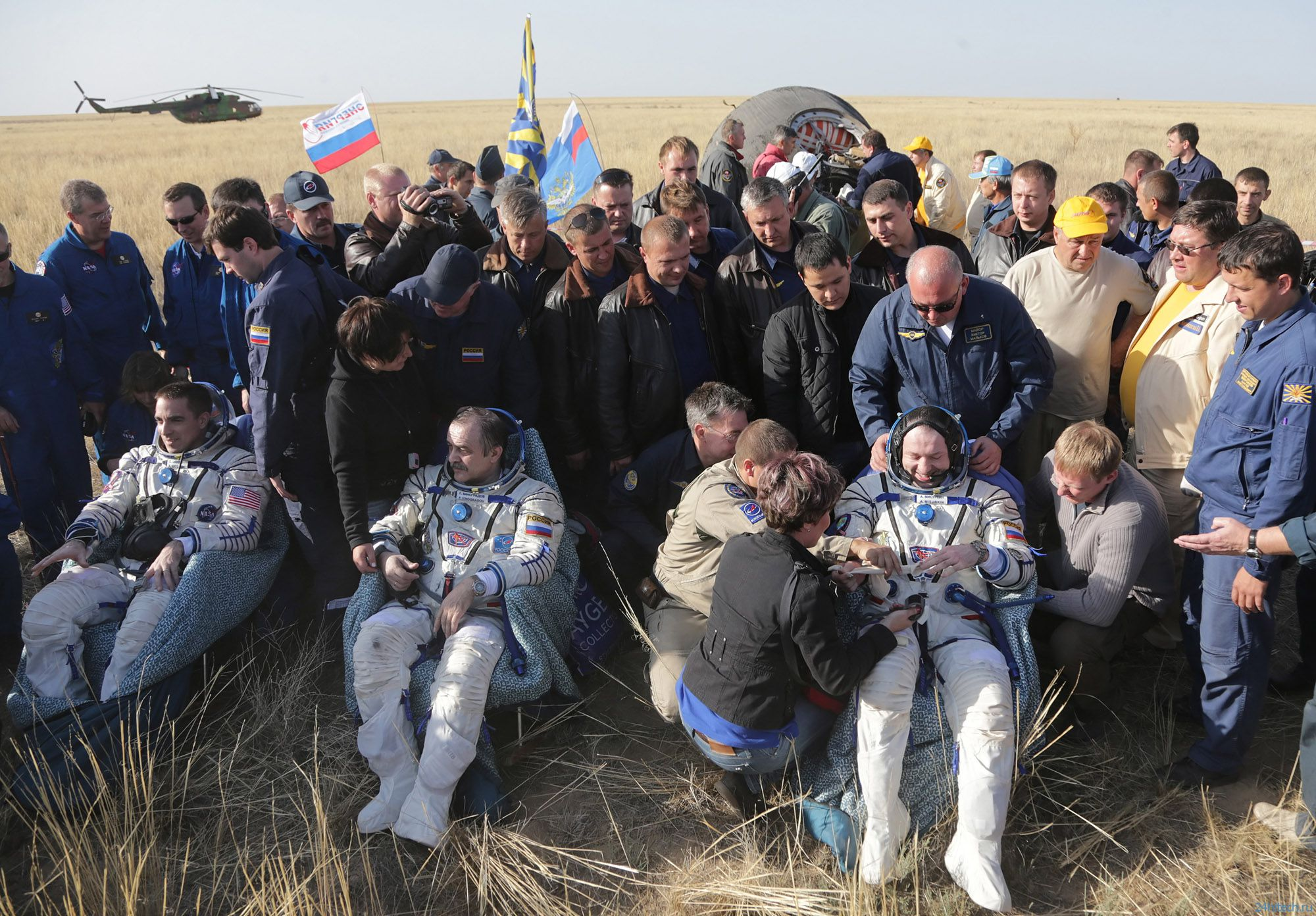 МКСовцы вернулись на Землю