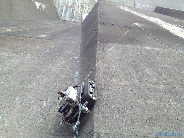 Робот инспектирует ядерную электростанцию