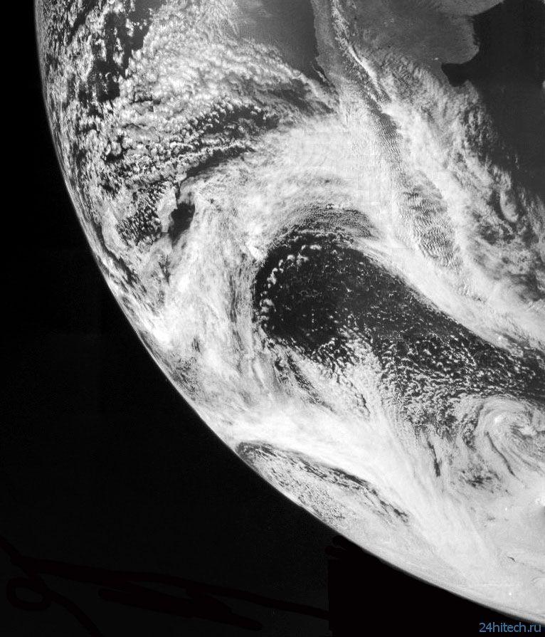 "КА ""Юнона""сфотографировала нашу планету"
