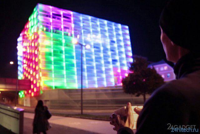 Гигантский кубик Рубика на улице австрийского городка (видео)
