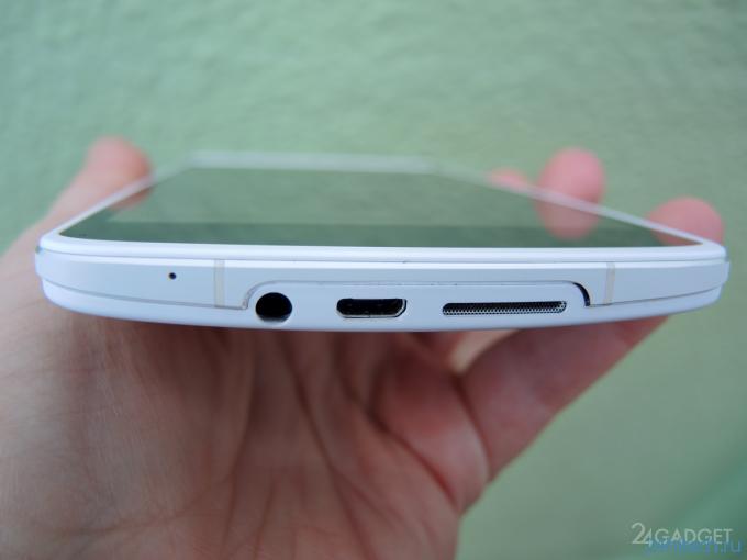 Обзор OPPO N1 —  огромного нестандартного смартфона с поворотной камерой