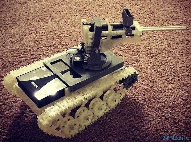 Самодельный радиоуправляемый танк (2 фото + видео)