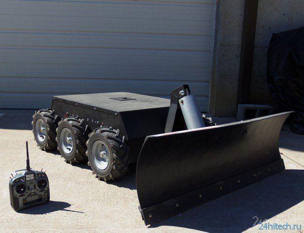Снегоуборочный робот на дистанционном управлении (2 видео)
