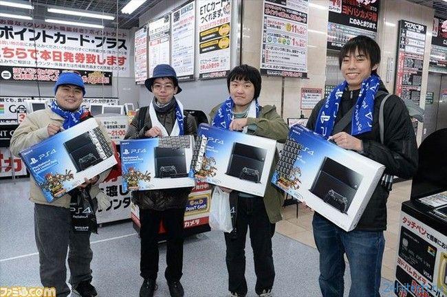 #фото дня| Sony Playstation 4 дебютировала на своей родине