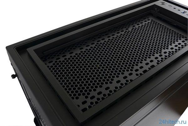 Корпус для ПК SilentiumPC Aquarius X90 Pure Black рассчитан на системные платы типоразмера E-ATX и установку СВО