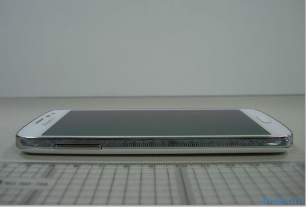Фото неанонсированного Tizen-смартфона Samsung ZeQ