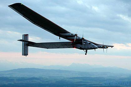 Самолет Solar Impulse 2 на фотобатареях совершил первый полет