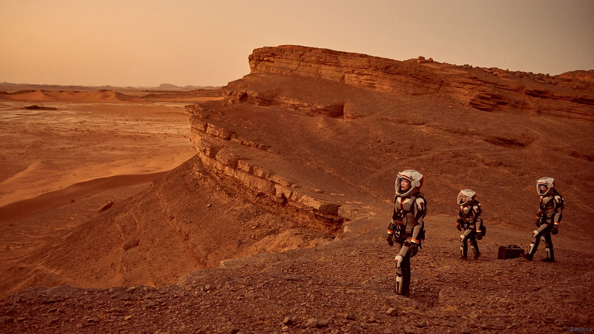 it is worth the expense and risk to make a manned flight to mars Three plans and one destination: spacex, nasa and mars one are three organizations with manned missions to mars in mind who will be the first to get us to the red planet in 1971, two soviet orbiters, mars 2 and 3 , successfully landed on mars.