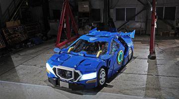 видео | Японский трансформер превращается из робота в автомобиль за минуту