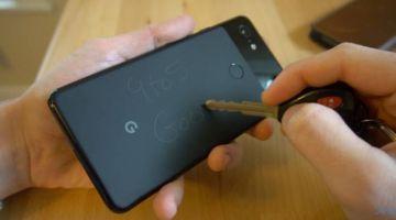 Google Pixel 3 легко поцарапать, но в этом его особенность