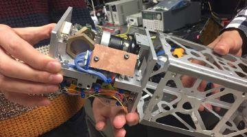 Система лазерного наведения поможет крошечным спутникам передавать данные на Землю