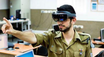 Microsoft HoloLens помогает слепым обнаруживать двери, а военным — врагов