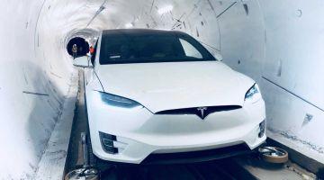 Видео | Tesla Model X с выдвижными колесами для езды по туннелю The Boring