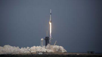 SpaceX запустила корабль Crew Dragon и совершила успешную стыковку с МКС